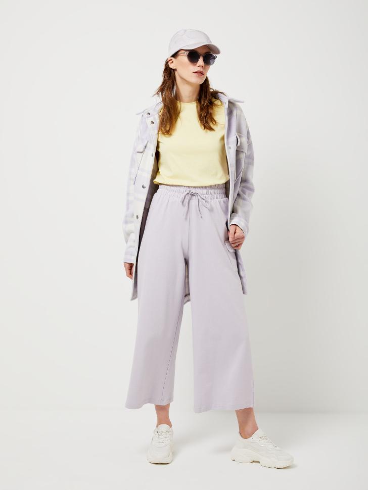 Укороченные брюки с карманом (сиреневый, M)